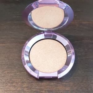 Becca mini highlighter
